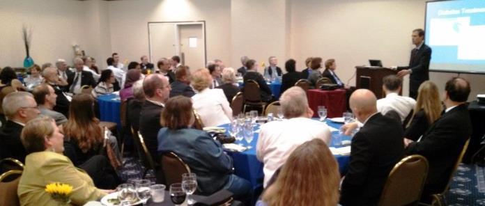 Dr. Neal Barnard speaks at the 2014 Annual Awards Dinner